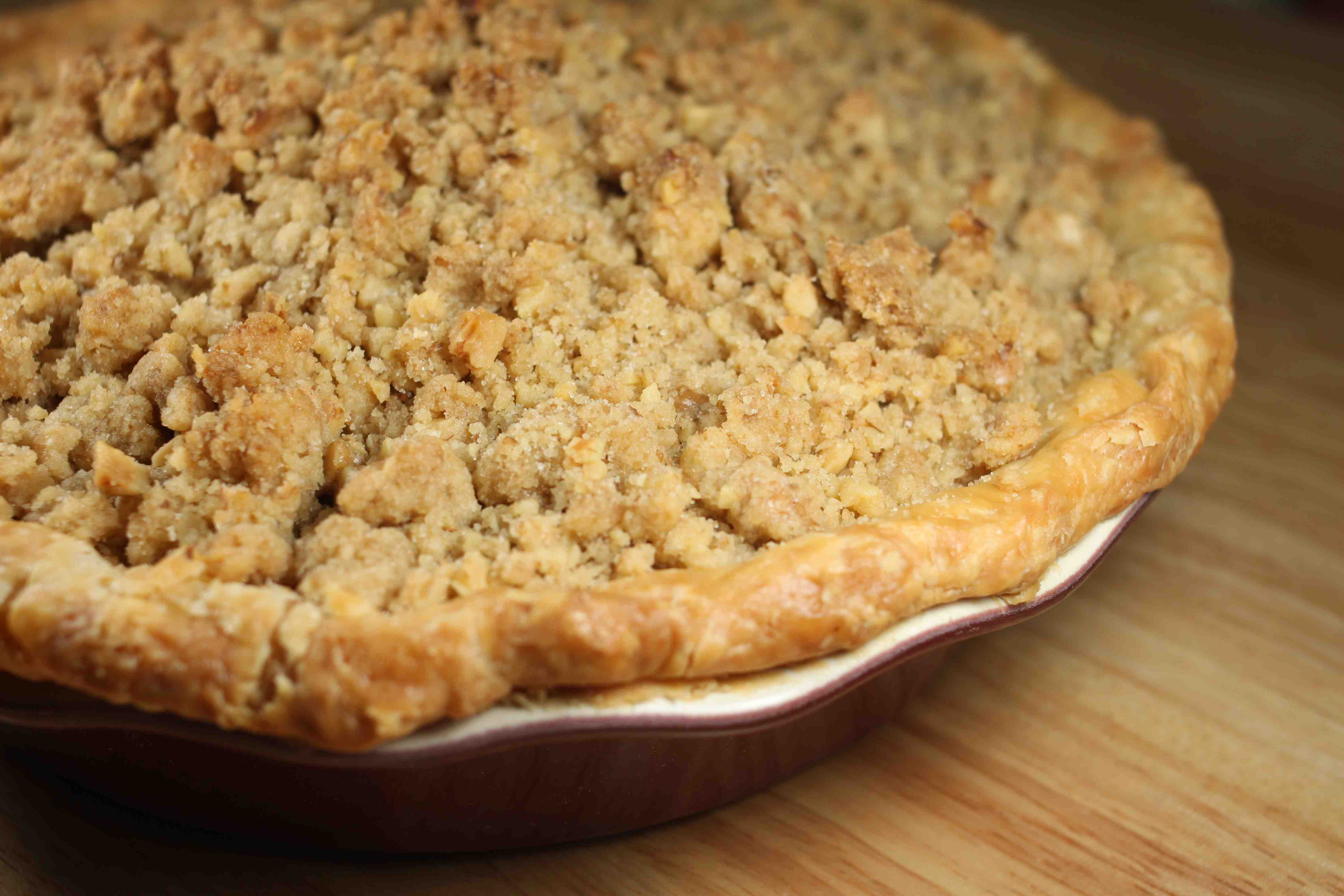 apple crumb pie for a crowd. Black Bedroom Furniture Sets. Home Design Ideas